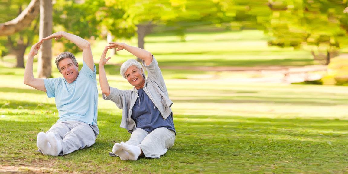 Arthrose kann altersbedingt auftreten - bleiben Sie aktiv gesund!